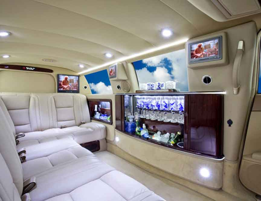 Custom Mercedes Benz S Class Limos and Limousines Chrysler limos Audi BMW Cadillac Escalade Custom limos luxury vehicles and SUV limos -