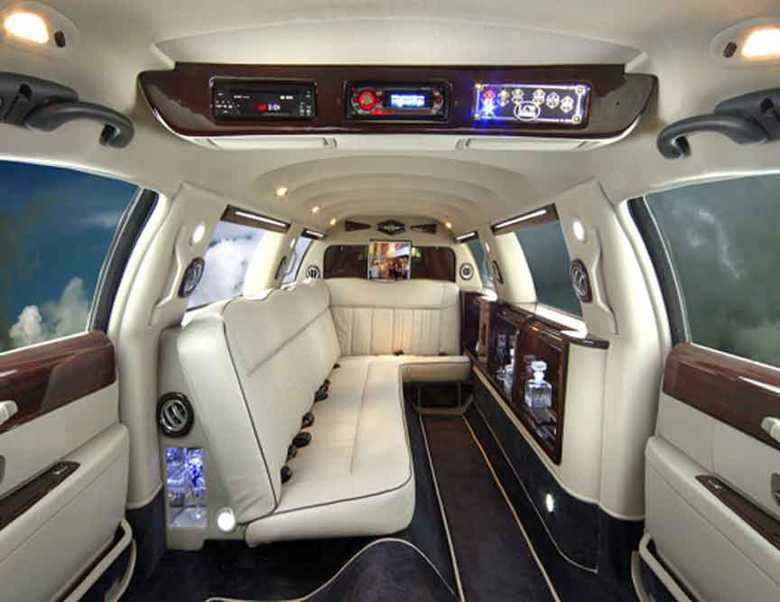 limousinesworld-chrysler120_int